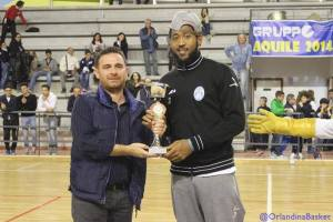Freeman riceve la Coppa dell'Autonomia torrenovese