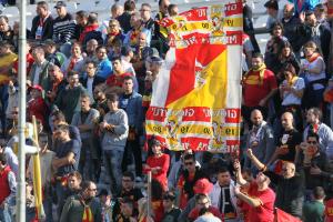 Incessante il sostegno degli encomiabili sostenitori giallorossi: non è bastato (foto Gabriele Maricchiolo)