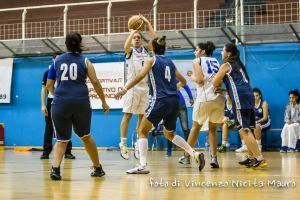 Un'azione del derby tra Rescifina e Cus Unime (foto Nicita)