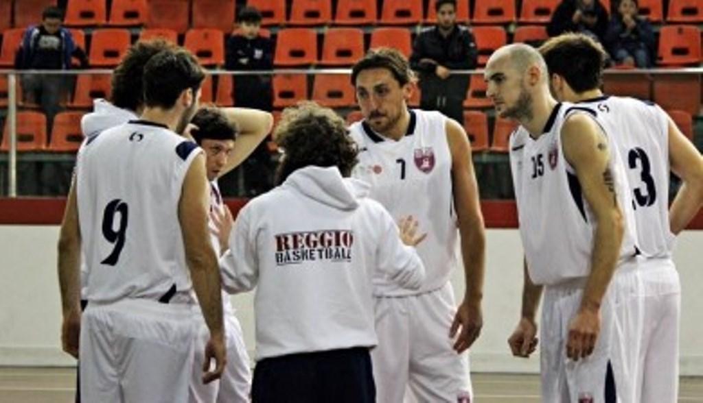 Coach D'Arrigo parla ai giocatori della Vis