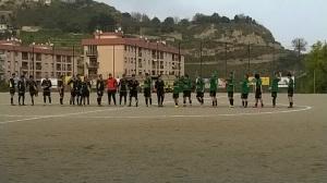 Contesse - San Giovannese 3-2 le squadre schierate a centrocampo