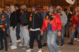 Alcuni dei tifosi del Messina che hanno protestato fuori dal San Filippo (foto Paolo Furrer)