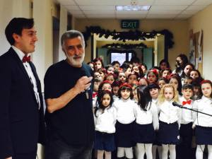 Il Maestro Costantino Lauria, Sindaco Accorinti e il Coro