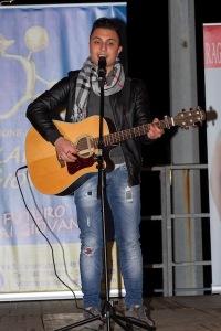 Il cantautore Niko