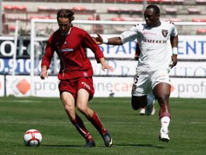 Barusso in azione con la maglia del Torino contro la Reggina