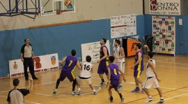 Basket School - Castanea, una fase del match