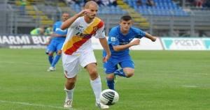 Ivan Rajcic in azione con la maglia del Benevento