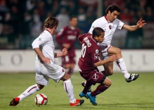 Roberto Merino in azione con la maglia della Salernitana contro la Reggin