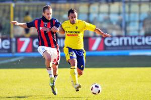 Rullo in azione con la maglia del Modena contro il Crotone