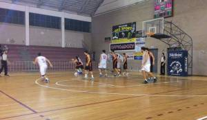 Zafferana-Basket School, una fase del match