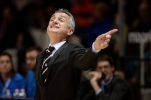 L'allenatore della Virtus Bologna Giorgio Valli