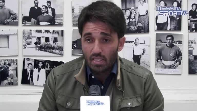 Il tecnico Gianluca Grassadonia nella stanza di Ciccio Currò