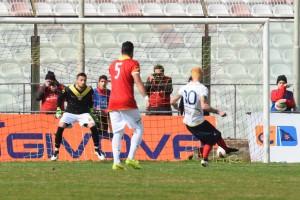 Berardi para il rigore a Calderini
