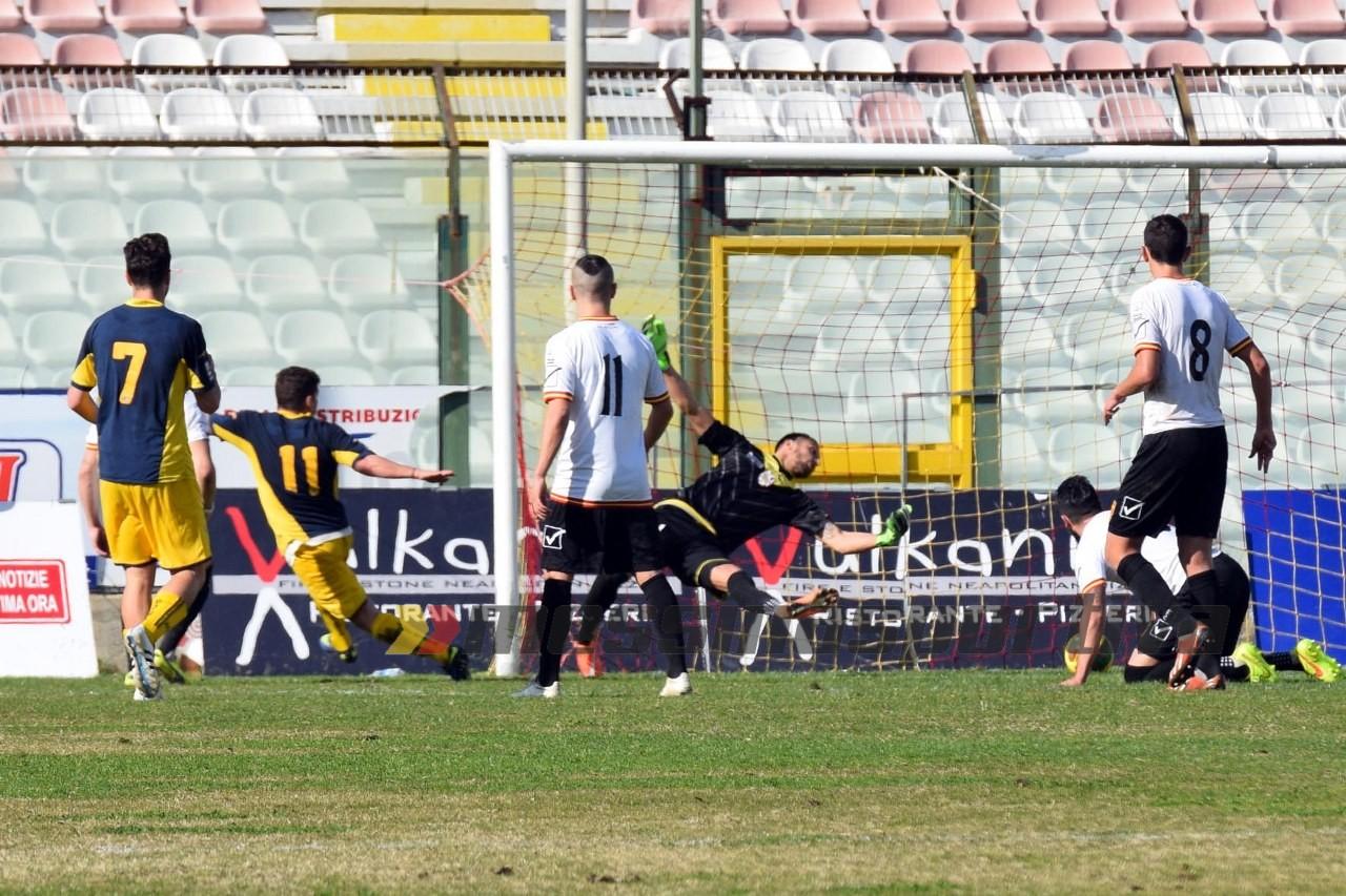 Berardi all'esordio con la Juve Stabia (foto Giovanni Isolino)