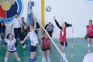 Effe Volley - Pedara 3-0. Si lotta sotto rete