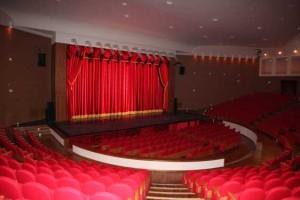 L'interno del Teatro Mandanici di Barcellona
