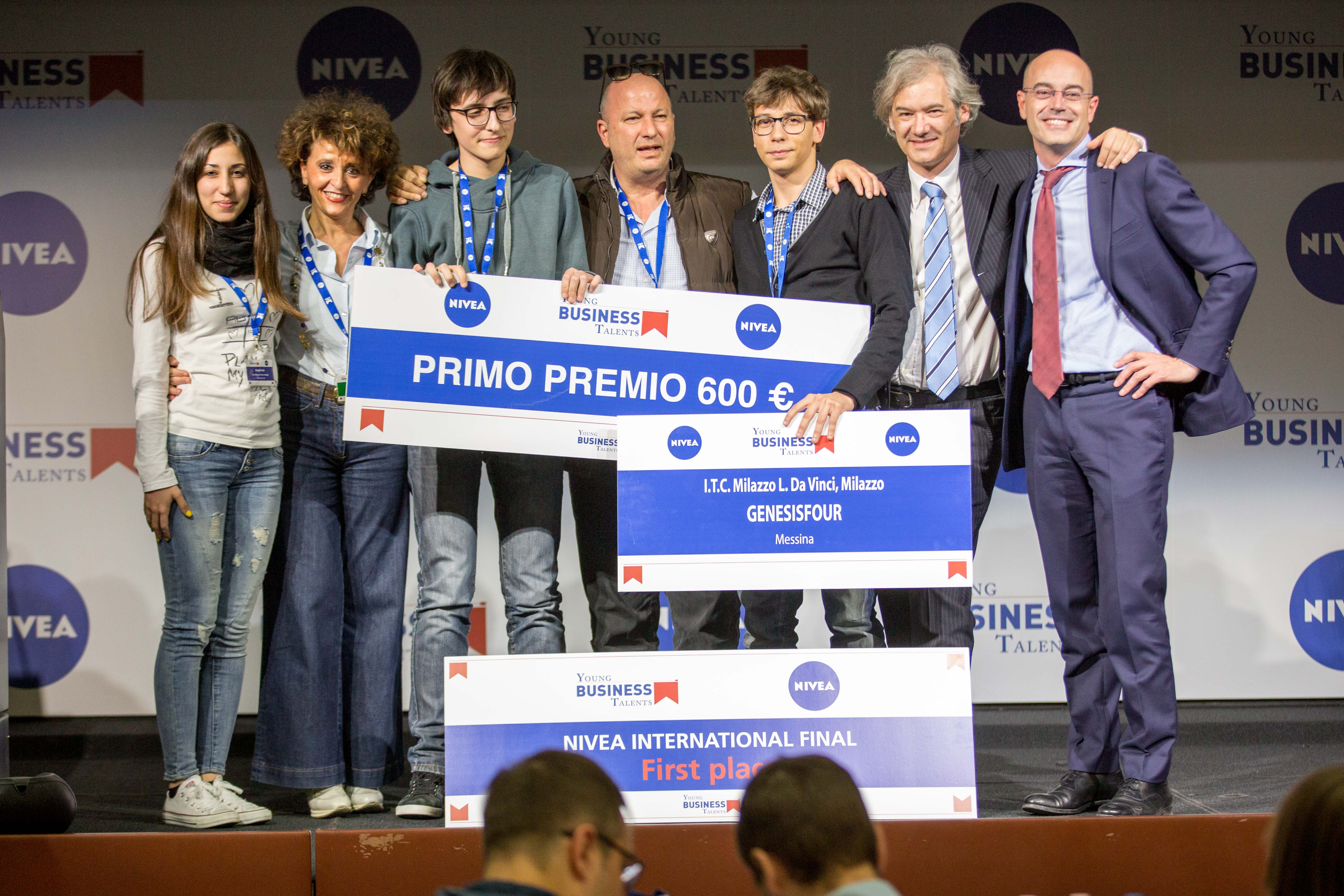 I Vincitori della finale italiana YBT GENESISFOUR I.T.C. Milazzo L. Da Vinci