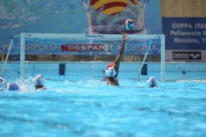 Una fase del match tra Waterpolo e Bogliasco (foto Roberta Fazio)