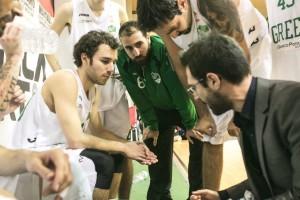 Coach Giorgio Bonanno durante un time out