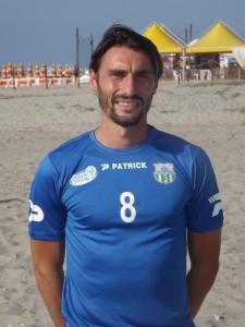 Zingales con la maglia del Villafranca Beach Soccer