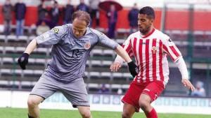 Davide Baiocco in azione con la maglia dell'Alessandria