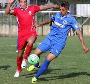 Giorgione in azione con la maglia del Kissamikos nella serie B greca