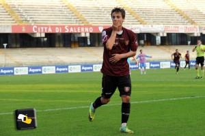 Il brasiliano Gustavo con la maglia della Salernitana. 16 le reti in granata