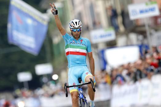 Vincenzo Nibali vince la Tre Valli Varesine grazie ad un'azione a 3,4 km dall'arrivo