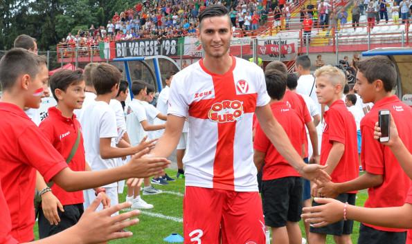 Andrea De Vito con la maglia del Varese