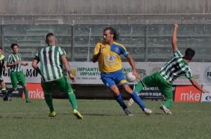 Giorgio Corona in azione con la maglia dello Scordia