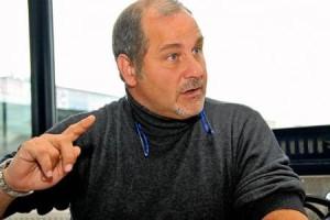 Il procuratore Beppe Accardi assiste il difensore palermitano Rocco D'Aiello, destinato ad indossare nuovamente il giallorosso