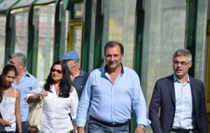 Il socio Piero Oliveri e l'avvocato Giovanni Villari al San Filippo per l'amichevole con il Forza Calcio foto Paolo Furrer)