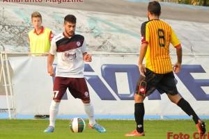 Padulano in azione con la maglia dell'Arezzo contro il Bassano