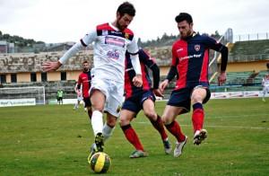 Ricciardo in azione con la Casertana a Cosenza