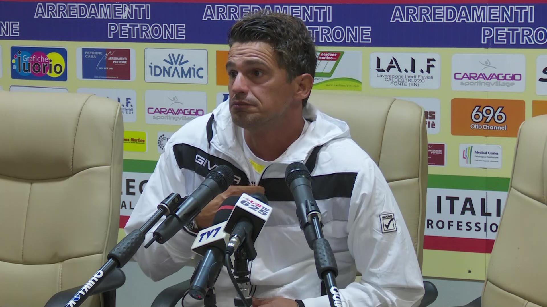 Arturo Di Napoli in conferenza stampa a Benevento