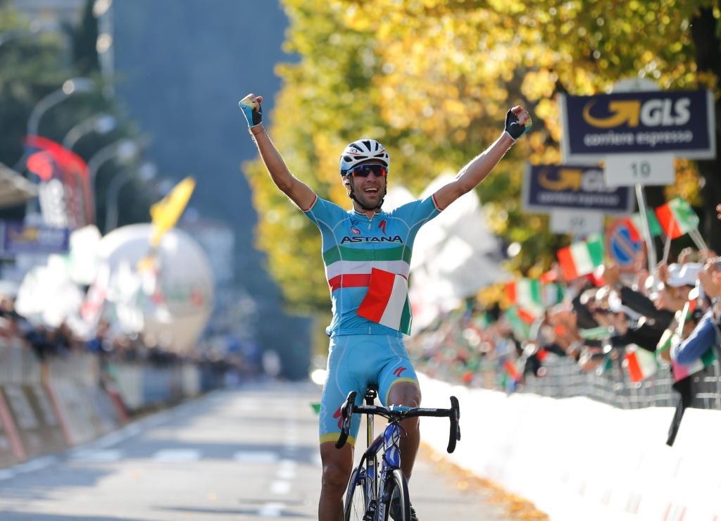 vincenzo nibali vince Il Lombardia