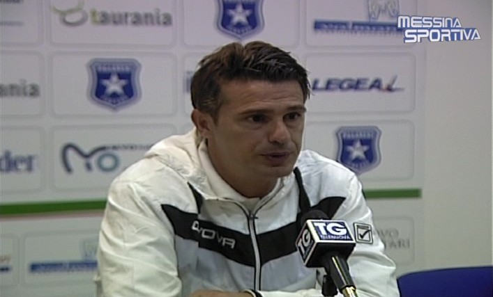 Arturo Di Napoli in conferenza stampa a Pagani