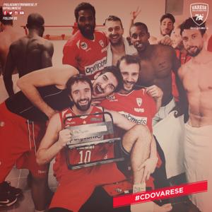 La gioia dei giocatori di Varese per l'exploit esterno