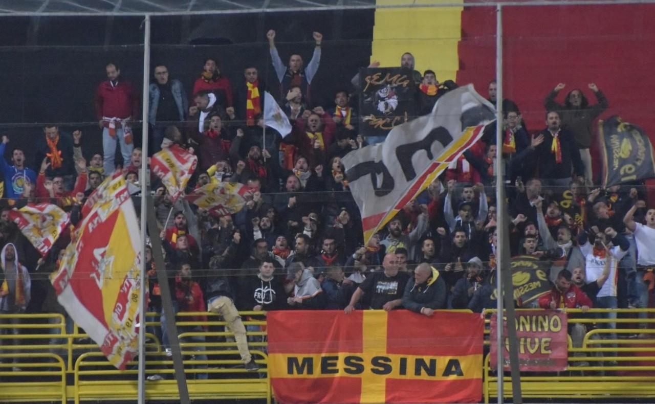 I tifosi del Messina presenti a Foggia