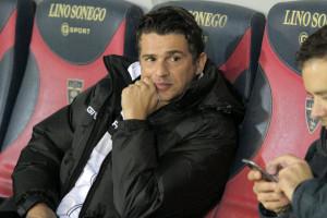 Arturo Di Napoli in panchina a Lecce