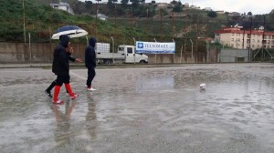 I capitani di Messana e Città di Messina osservano le condizioni del campo