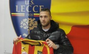 Caturano con la maglia del Lecce