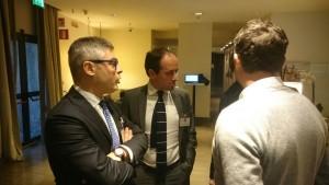Gli avvocati Giovanni Villari ed Antonio Fazio insieme al loro assistito, Arturo Di Napoli