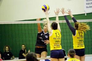 Messina Volley - Planet Catania, un attacco delle etnee.