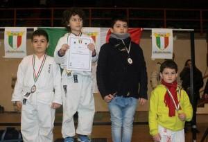 I giovani karateka sul podio