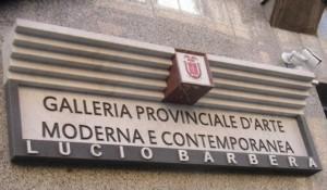 """L'ingresso della Galleria D'arte Contemporanea """"Lucio Barbera"""""""