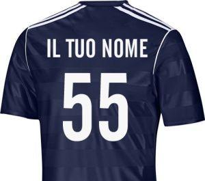 maglietta sportiva con il nome