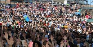 """Una panoramica della folla in area palco ad """"Etna Comics"""" nell'edizione del 2015"""