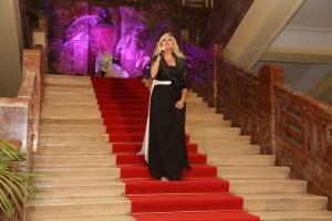 Il soprano Chiara Taigi scende la scalinata
