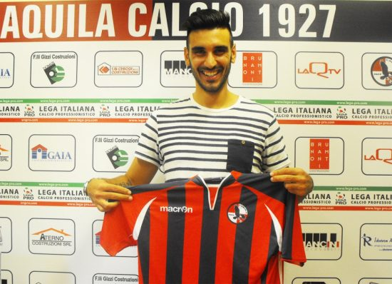 Giordano Maccarone con la maglia de L'Aquila